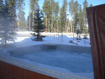Ah ... to relax in the hot tub during your stay. It's PRIVATE, no need to share