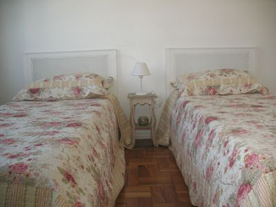 Ipanema studio rental - Bedroom with 2 single beds that can be put together