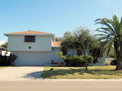 Spacious 5 bedroom 2 bath home in the heart of Port Aransas!