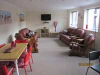 Spacious Modern Apartment In The Heart Of Braunton Prices £450 to £900 week