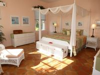 Delightful Jasmine - fantastic beach, 60 acre estate, pool, wifi, AC, more