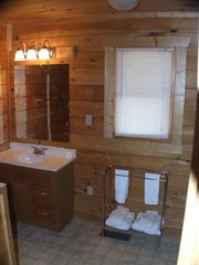 Gatlinburg cabin photo - One of Four Full Baths