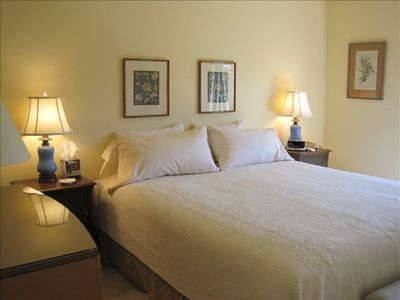 Tiburon townhome rental - Master bedroom has a king-sized bed & Belvedere Island & Tiburon lagoon views.
