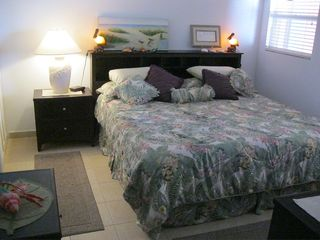 King sized pillow top bed - Bimini condo vacation rental photo