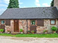 WREN COTTAGE, family friendly in Rudyard Lake, Ref 25747