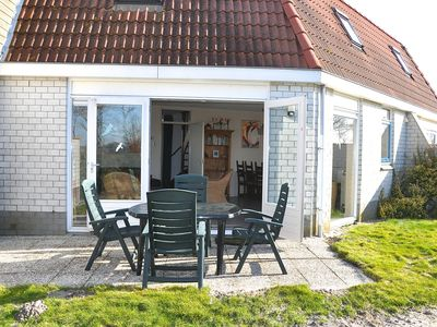 Lovely cottage for max. 6 Pers. with sunny garden, overlooking the dunes