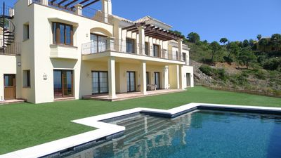 Benahavis villa rental - The villa and pool
