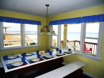 Eat your meals with a view of the ocean!