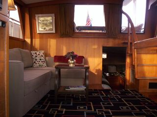Boston yacht photo - Green Turtle II salon(living area) with full/queen sleeper sofa