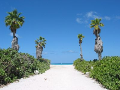 Beach Access via Nightjar Rd, 2 minutes walk from Artemis Retreat