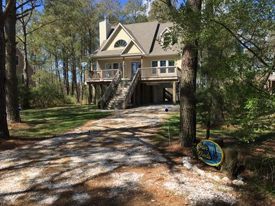 Immaculate new home, close to the bridge to Assateague, bike to the beach!