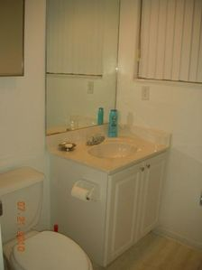 Hallandale apartment rental - ½ toilet at the second bedroom