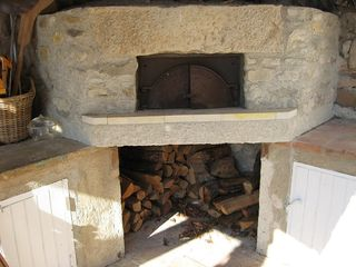 Montfort castle photo - Wood-burning oven for homemade pizzas!