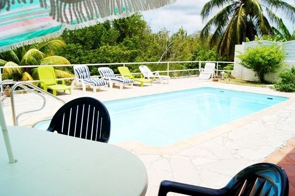Location villa avec piscine proche plage en martinique for Location villa piscine