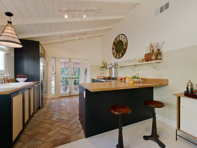 West Hollywood villa rental - breakfast bar, kitchen, high vaulted celiings