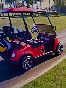 WE CAN RENT A STREET-LEGAL SEXY GOLF CART FOR Y'ALL TO CRUZ AROUND LA QUINTA !