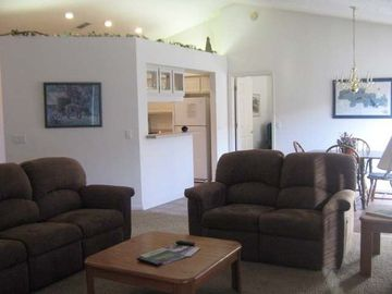 Hot Springs Village townhome rental - Living Room Dining Room