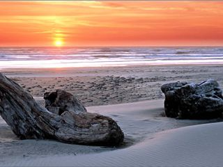 Oregon coast at sunset - Lincoln City house vacation rental photo