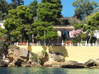 FINE HOUSE ON THE SEA WITH  BIG FLOWERED GARDEN ( private access to the sea)