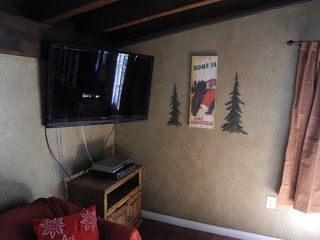 Lake Arrowhead cabin photo - 42 inch flat screen TV, cable, On-Demand, DVD
