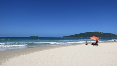 Apt 3 bedrooms, being 1 suite, 3 splits in Noble Area Da Praia Dos Ingleses