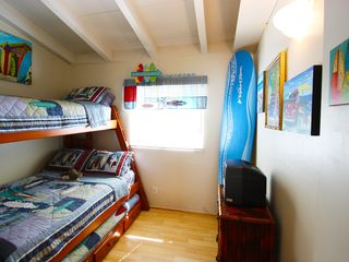 Marina del Rey condo photo - Bunkbed surfer room with 2 twins & 1 full