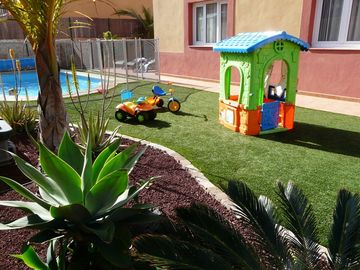 Great garden for kids - fence optional