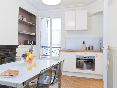 Calm Flat In the Heart of Paris - Steps the River Seine and Notre Dame