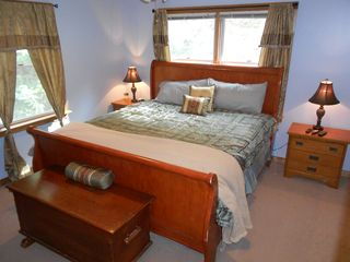 King Size Master Bedroom Upstairs. All Fresh Linens Provided. - Harrisonburg house vacation rental photo