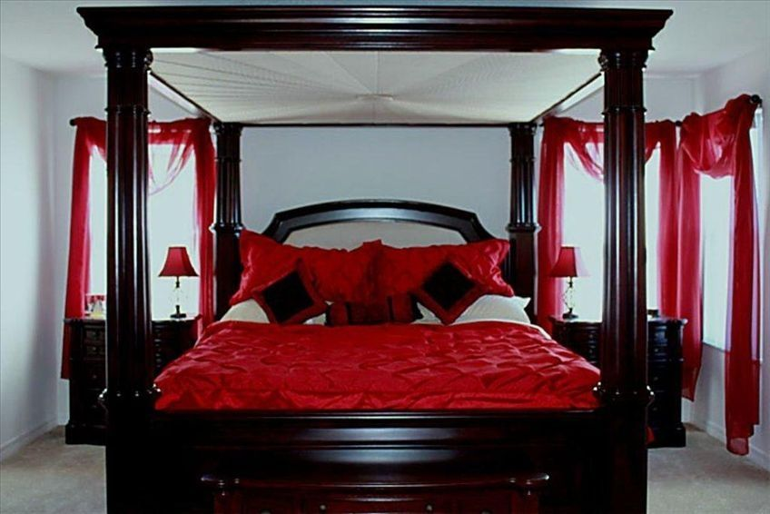 Fabulous luxury villa near disney stunning vrbo for Bedroom designs with four poster beds