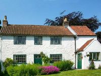 THE WHITE COTTAGE, family friendly in Bridlington, Ref 26091