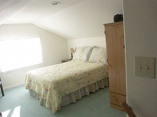 Depoe Bay townhome photo - Loft bd rm, queen bed. 32inch HD LCD TV