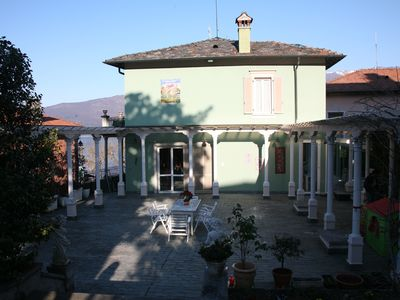 Beautiful villa with all comfort 'on the banks of Lake Maggiore, overlooking the lake and mountains