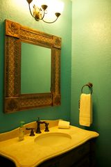 Ruidoso condo photo - powder room