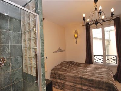 6th Arrondissement St Germain des Pres condo rental - BEDROOM WITH PRIVATE SHOWER