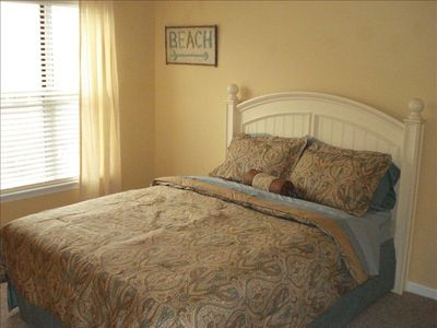 Upstairs bedroom - queen bed