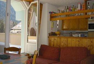 Chamonix apartment photo - Kitchen Dining room - double doors to the terrace