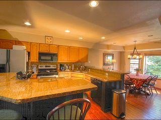 Breckenridge townhome photo - Brand New Kitchen Appliances and Granite Countertops