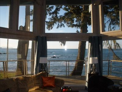 Million dollar view private beach comfy ocean front home for Cabin rentals brookings oregon