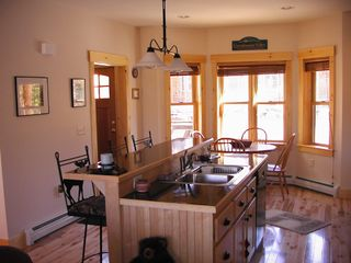 Carrabassett Valley condo photo - Kitchen & Dining