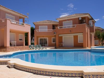 Newly refurbished detached villa with new furniture and equipment. Shared pool.