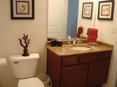 Wildwood Crest townhome rental - 2nd level full bathroom