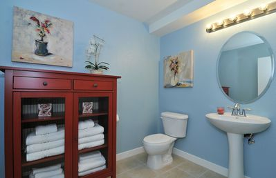 San Jose condo rental - Powder Room