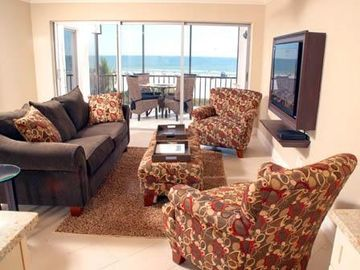 Siesta Key condo rental - Living area with view of Gulf