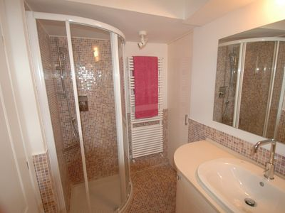Centro Storico (Old Rome) apartment rental - first bathroom with shover