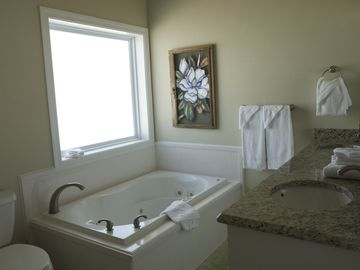 Whirlpool tub and granite counter tops off 2nd level bedroom