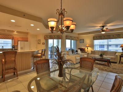 Come relax & enjoy this wonderful condo!