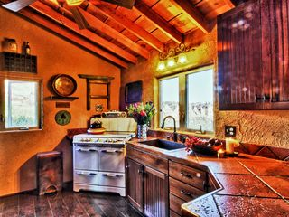 Virgin - Zion National Park estate photo - Zion Estate Kitchen (right view)