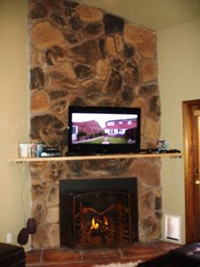 Gas Fireplace-48 inch HDTV, XBox Kinect, 1000 watt Theater System-Movies & Games