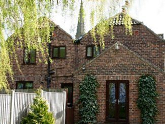 Superbly Equipped Family Friendly Accommodation, Close To Restaurant / Pub